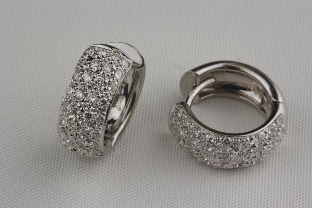 Pre Owned Diamond Reversible Huggie Style Earrings 18