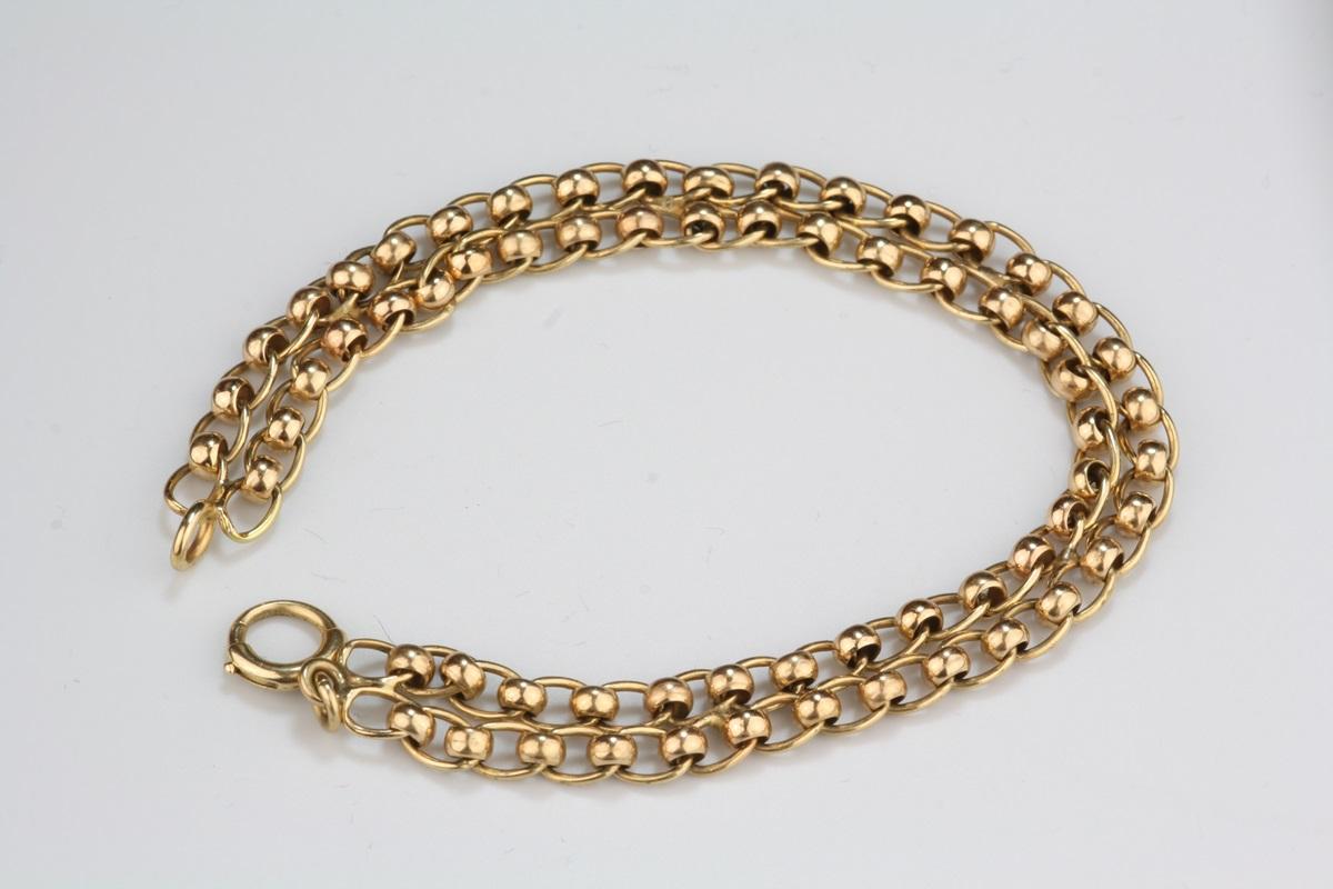 pre owned charm bracelet 14 karat yellow gold