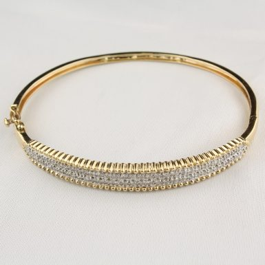 Pre-Owned-Diamond-Bangle-Bracelet