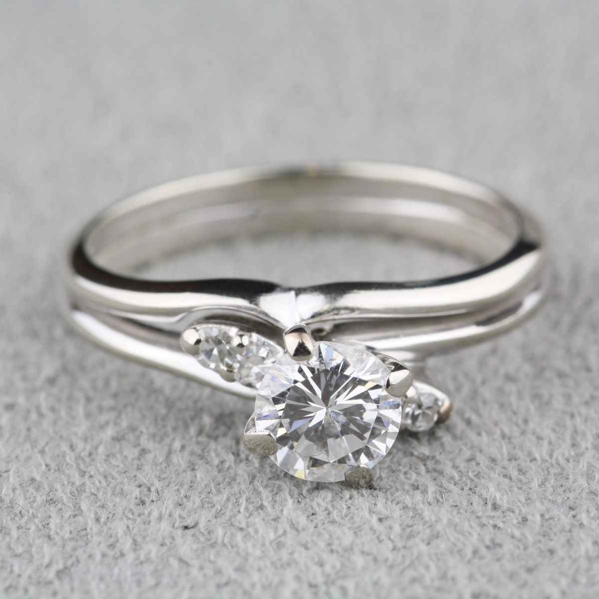 pre owned diamond engagement ring with 14 karat white gold wedding band. Black Bedroom Furniture Sets. Home Design Ideas
