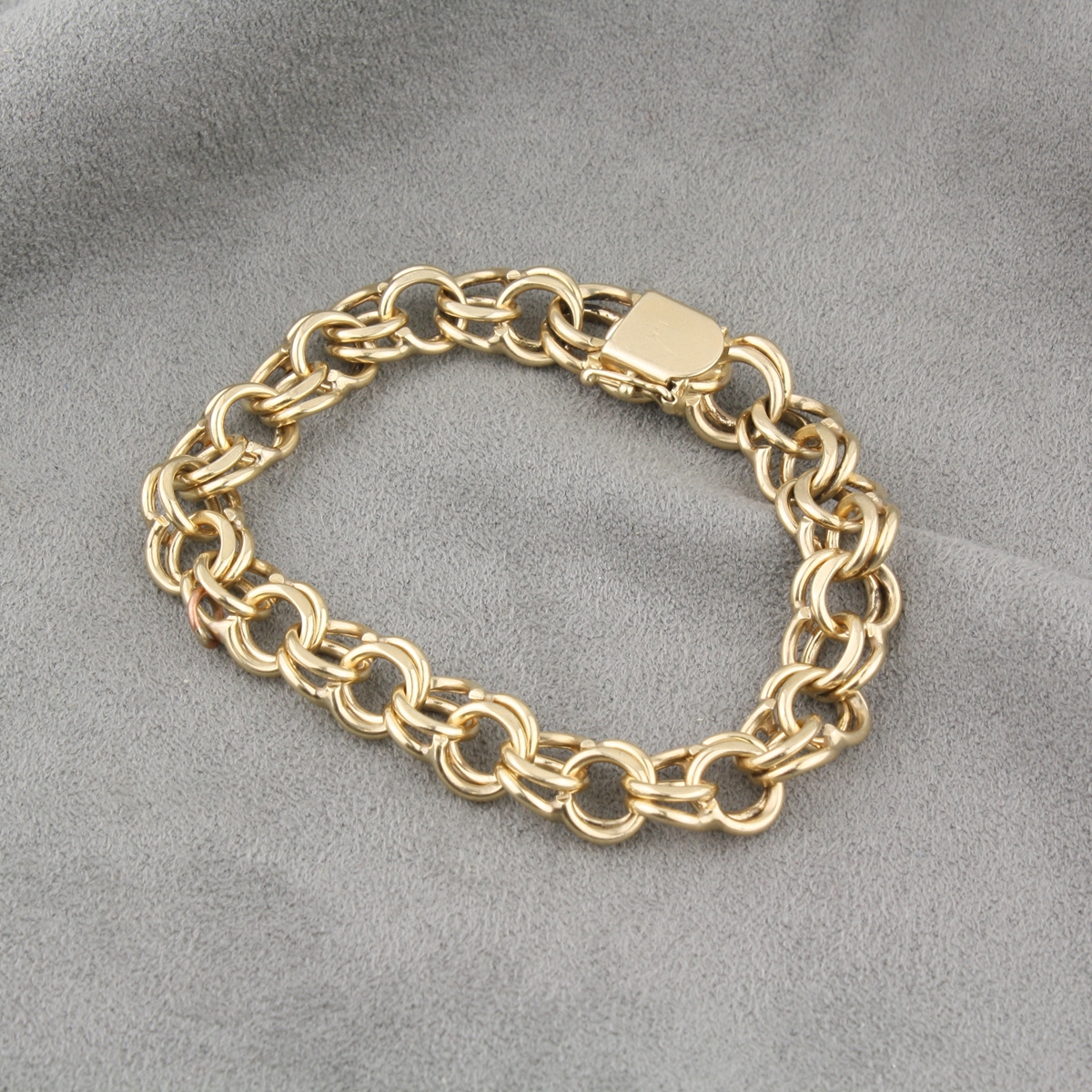 pre owned 14 karat yellow gold charm bracelet. Black Bedroom Furniture Sets. Home Design Ideas