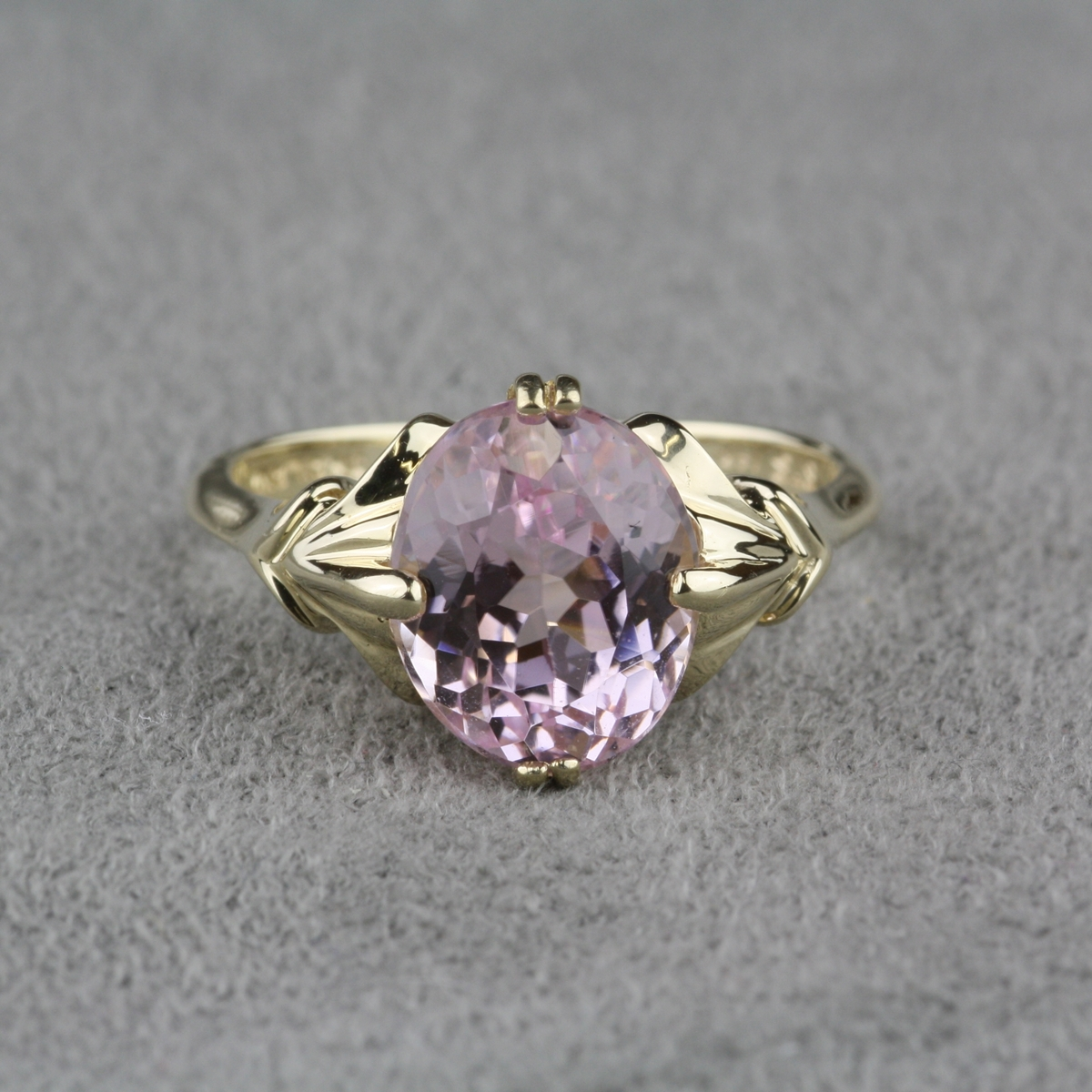 Pre Owned Kunzite Ring In 14 Karat Yellow Gold