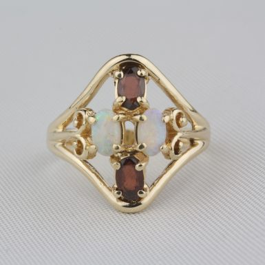 Pre-Owned-Garnet-&-Opal-Ring