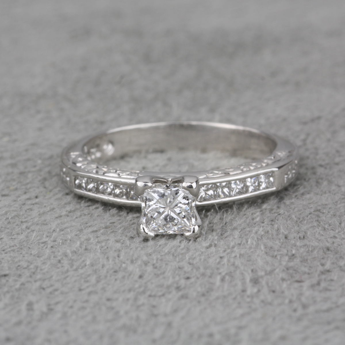 PreOwned Leo Diamond Engagement Ring