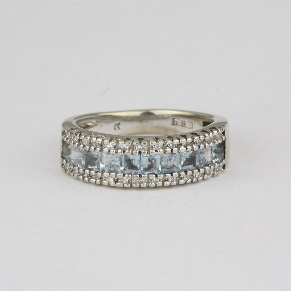 Pre Owned 14 Karat White Gold Aquamarine Amp Diamond Ring