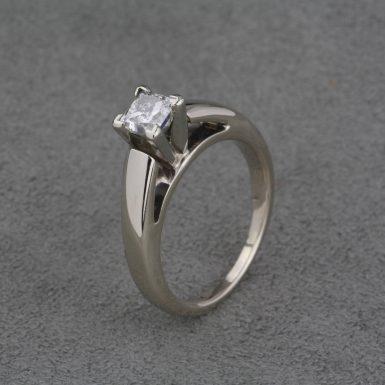 Pre-Owned-Princess-Cut-Diamond-Ring