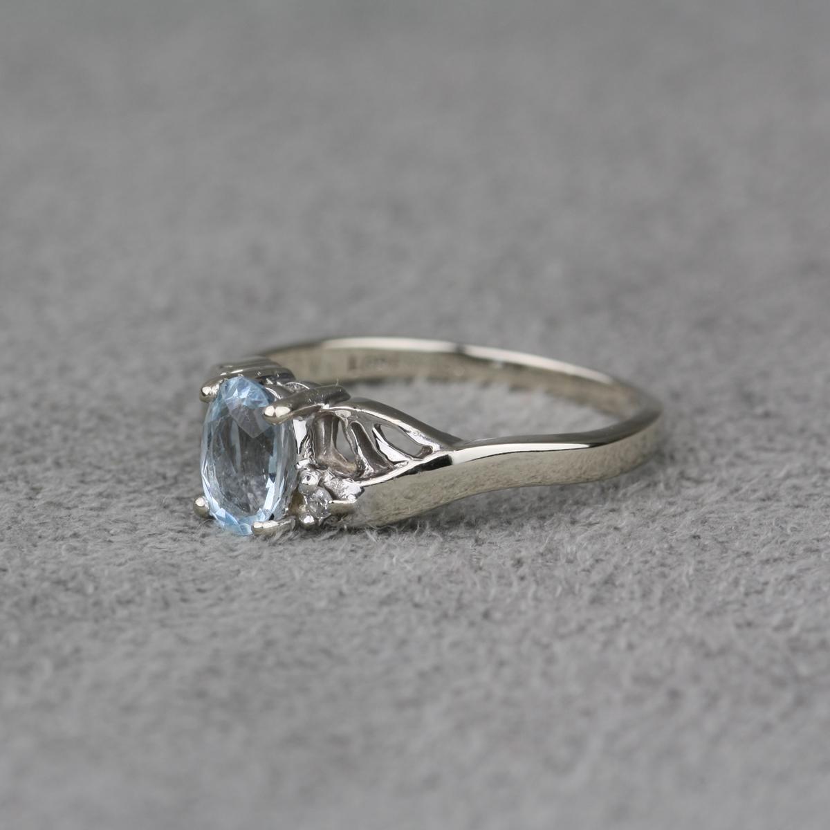 pre owned 14 karat white gold aquamarine ring