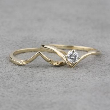Pre-Owned-14-Karat-Yellow-Gold-Diamond-Engagement-Set