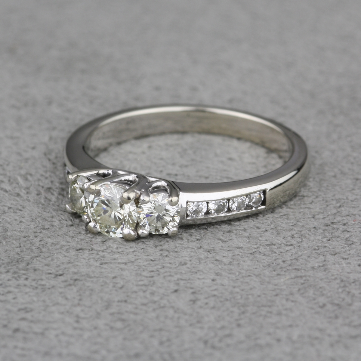 Pre Owned White Gold Diamond Engagement Ring