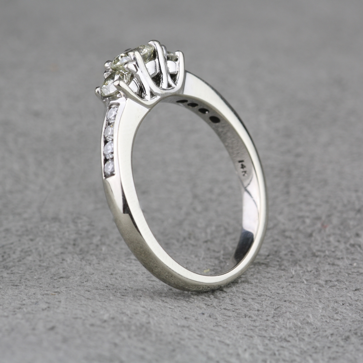 Plain pre owned wedding ring 10 all cool designPre Owned Wedding Ring cool   navokal com. Previously Owned Wedding Rings. Home Design Ideas