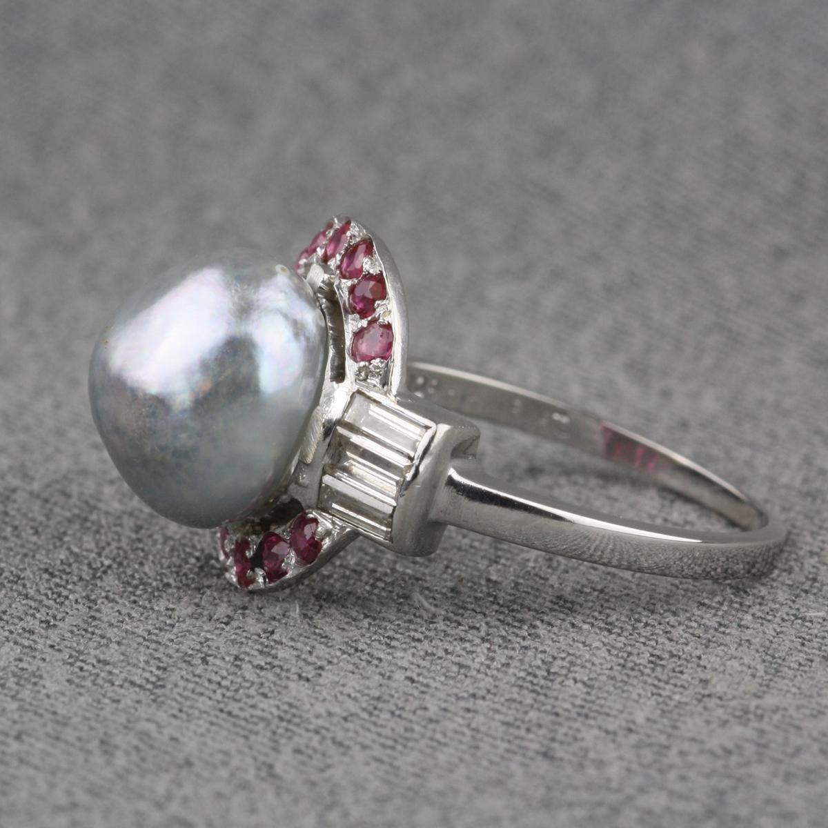 New Pre-Owned Baroque Tahitian Pearl Diamond Ruby Ring PR69