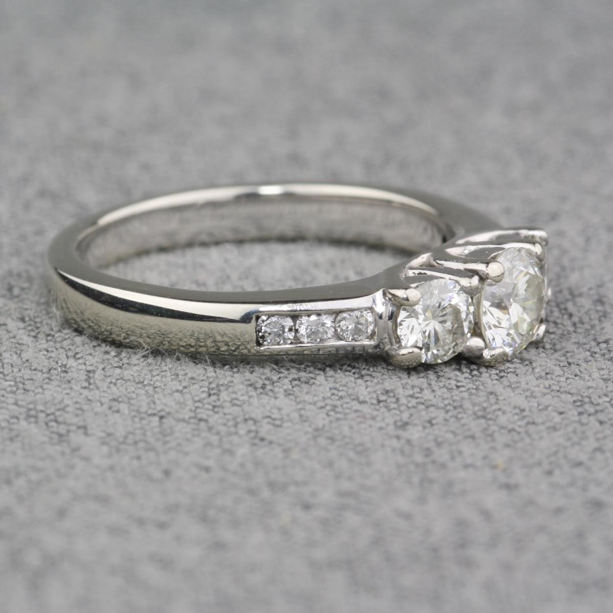Pre Owned 14 Karat White Gold Diamond Engagement Ring