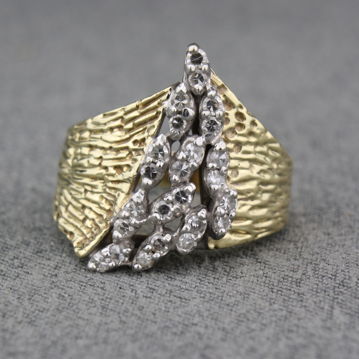 Preowned 14 Karat Yellow Gold Diamond Cluster Ring