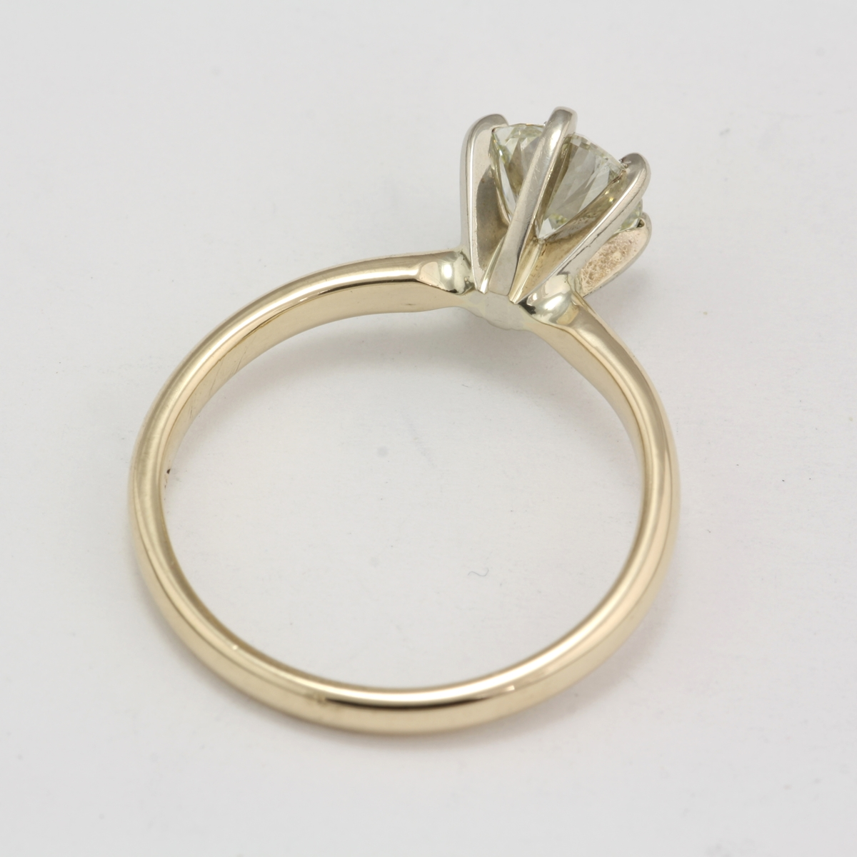 Preowned 14 Karat Yellow Gold Diamond Solitaire Ring