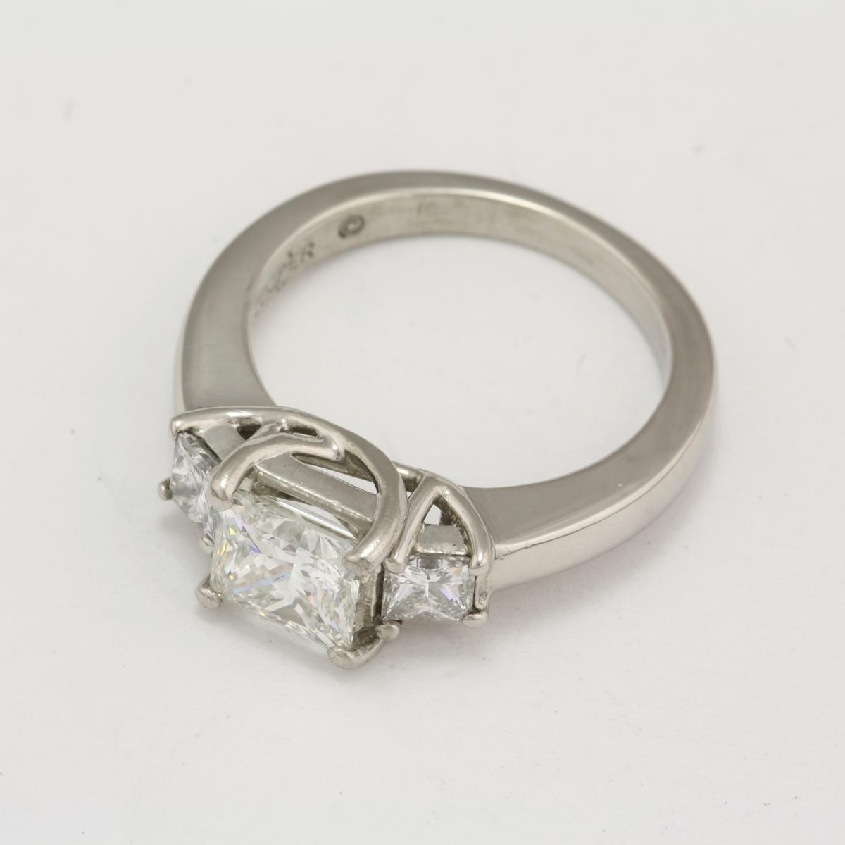 Preowned Platinum 3stone Diamond Engagement Ring