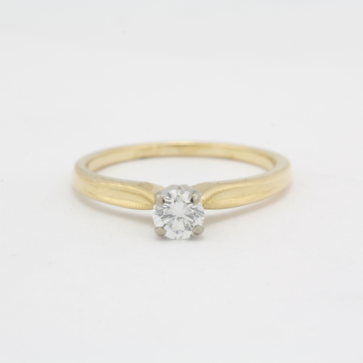 Pre-Owned 18 Karat Diamond Engagement Ring