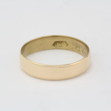 Pre-Owned 18 Karat Yellow Gold Wedding Band
