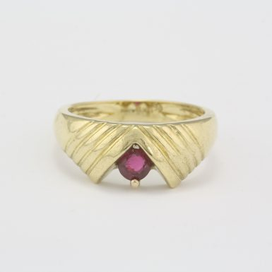 Pre-Owned 18 Karat Yellow Gold Natural Ruby Ring