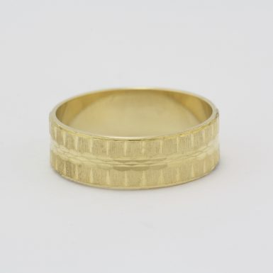 Pre-Owned 18 Karat Yellow Gold Lost Treasure Wedding Band