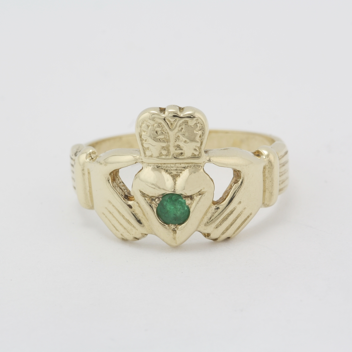 pre owned 14 karat yellow gold emerald claddagh band