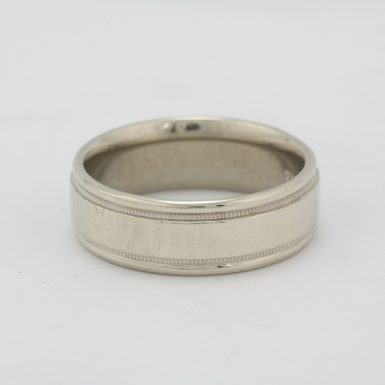 Pre-Owned 14 Karat White Gold Wedding Band