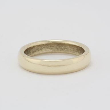 Pre-Owned 14 Karat Yellow Gold Wedding Band
