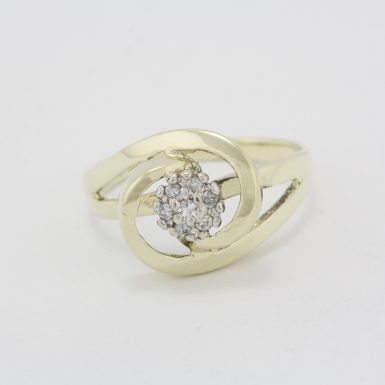 Pre-Owned 14 Karat Yellow Gold Diamond Fashion Ring
