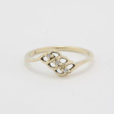 Pre-Owned 10 Karat Yellow Gold Diamond Fashion Ring