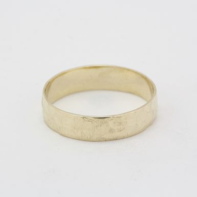 Pre-Owned 14 Karat Yellow Gold Hammered Wedding Band