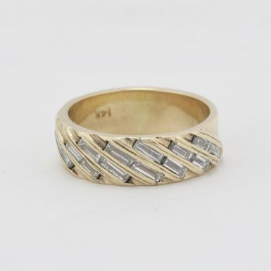 Pre-Owned 14 Karat Yellow Gold Diamond Band
