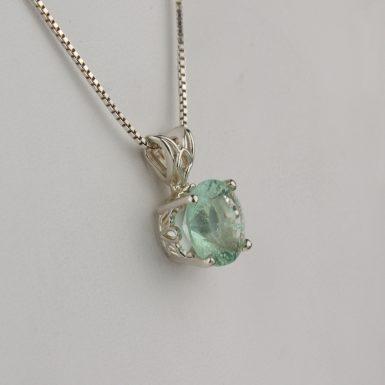 806-4-2-carat-fluorite-pendant-2