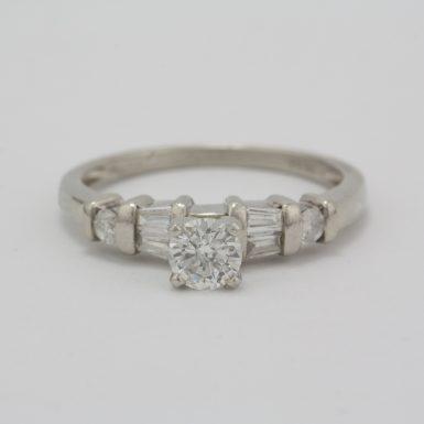 1986-pre-owned-platinum-diamond-ring