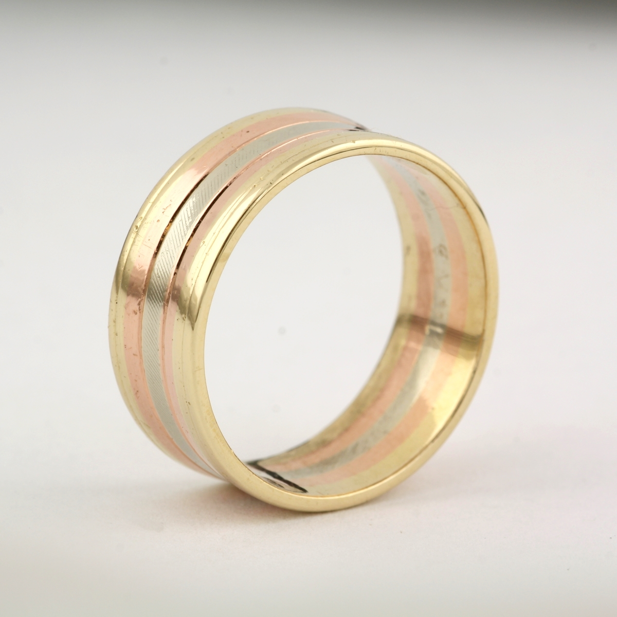Pre-Owned Three Tone Wedding Band