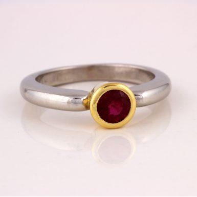 Pre-owned Platinum/18K Von Bargen Ruby Ring