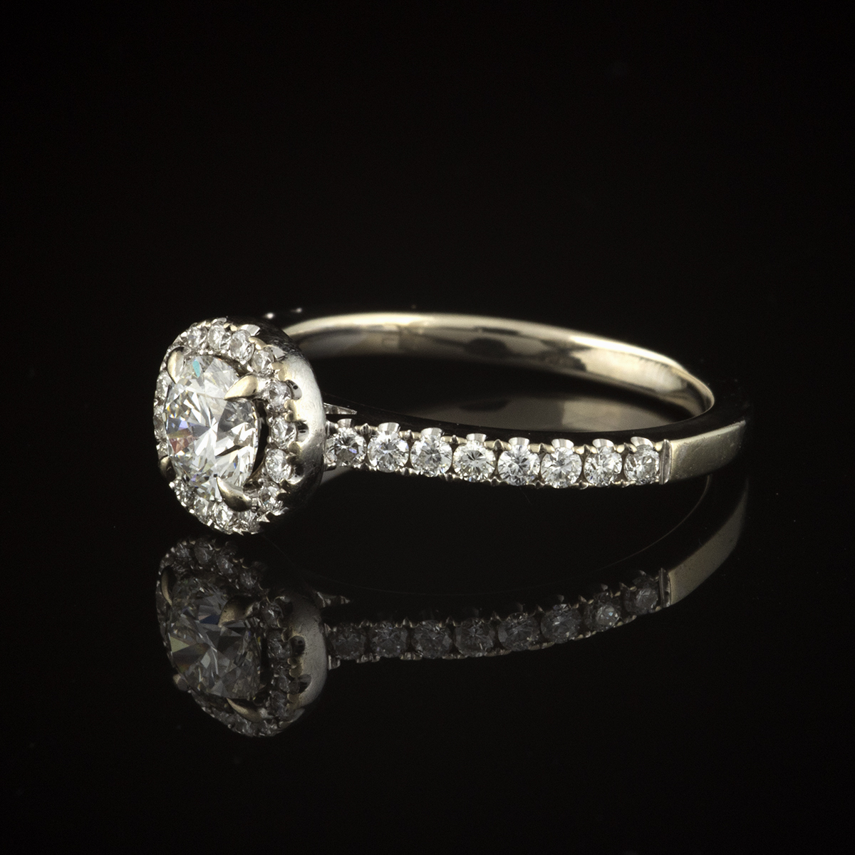 Pre-owned 14K White Gold Diamond Halo Ring