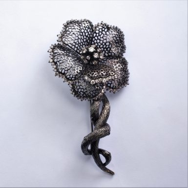 Pre-owned 14k Diamond Flower Brooch