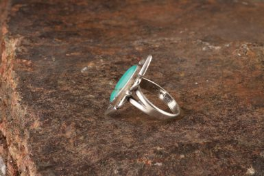 Pre-Owned Native American Silver Ring with Turquoise