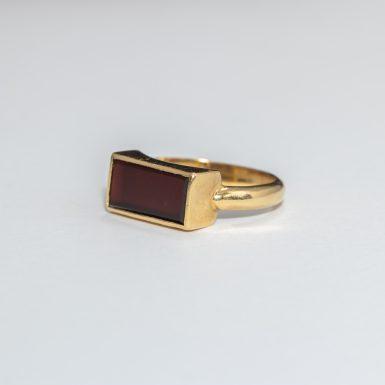 Vintage 18k Sardonyx Ring