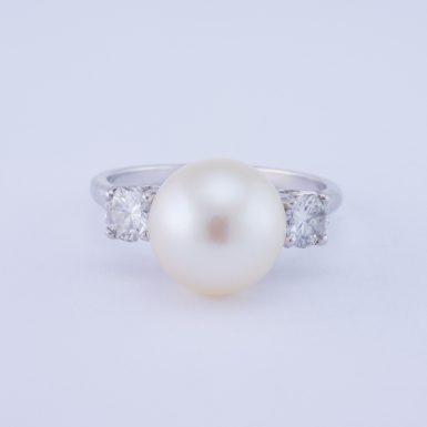 Vintage Platinum VS Diamond and Pearl Ring