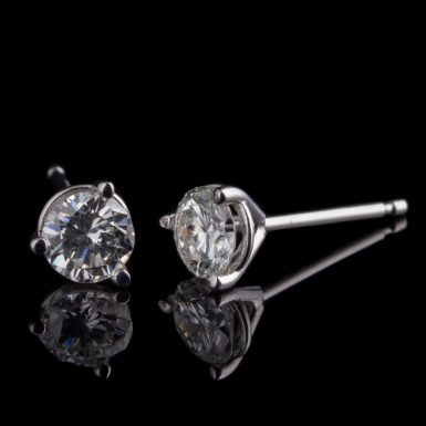 VS Diamond Stud Earrings