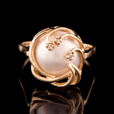 Pre-Owned 14K Mabe Pearl and Diamond Ring