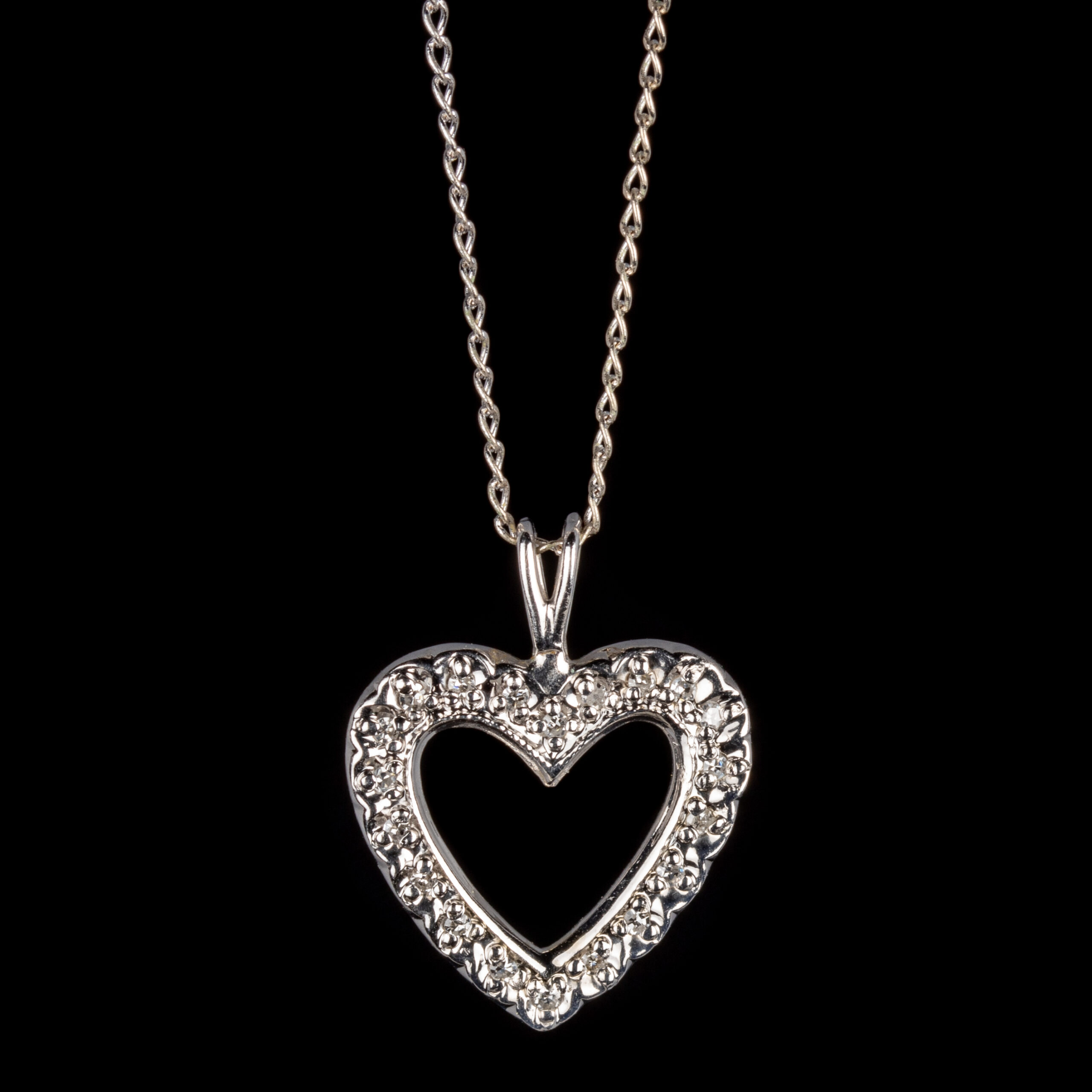 Pre-Owned 14k Diamond Heart Necklace