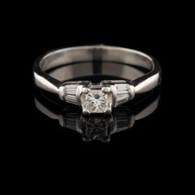 Pre-Owned Platinum Diamond Ring