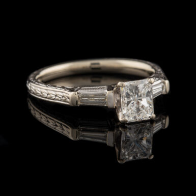 Pre-Owned 1.28 Carat Total Weight Diamond 18K Ring