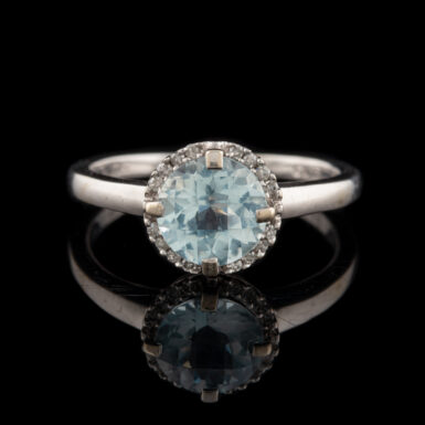 Pre-Owned 10K Aquamarine with Diamonds Ring